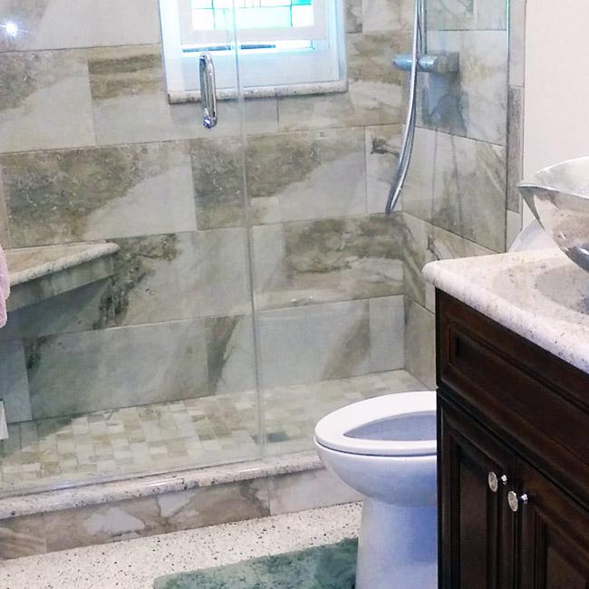 St. Petersburg Bathroom - Avery Construction Design